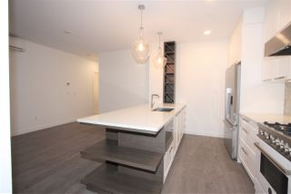 """Photo 7: 207 33540 MAYFAIR Avenue in Abbotsford: Central Abbotsford Condo for sale in """"The Residences at Gateway"""" : MLS®# R2326979"""