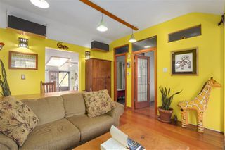 Photo 5: 418 E 11TH Street in North Vancouver: Central Lonsdale House for sale : MLS®# R2331151