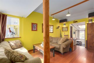 Photo 3: 418 E 11TH Street in North Vancouver: Central Lonsdale House for sale : MLS®# R2331151