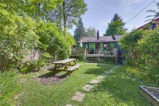 Photo 18: 418 E 11TH Street in North Vancouver: Central Lonsdale House for sale : MLS®# R2331151