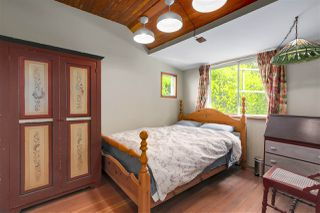 Photo 6: 418 E 11TH Street in North Vancouver: Central Lonsdale House for sale : MLS®# R2331151