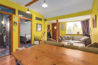 Photo 4: 418 E 11TH Street in North Vancouver: Central Lonsdale House for sale : MLS®# R2331151