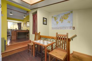 Photo 11: 418 E 11TH Street in North Vancouver: Central Lonsdale House for sale : MLS®# R2331151