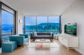 """Photo 4: 2404 301 CAPILANO Road in Port Moody: Port Moody Centre Condo for sale in """"The Residences"""" : MLS®# R2344788"""