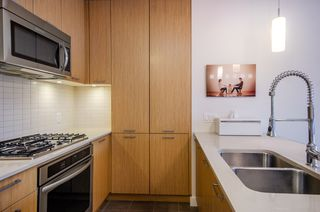"""Photo 8: 2404 301 CAPILANO Road in Port Moody: Port Moody Centre Condo for sale in """"The Residences"""" : MLS®# R2344788"""