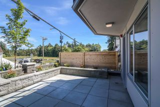 "Photo 3: 3 15989 MARINE Drive: White Rock Condo for sale in ""MARINER ESTATES"" (South Surrey White Rock)  : MLS®# R2368349"