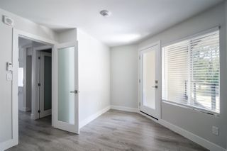 "Photo 11: 3 15989 MARINE Drive: White Rock Condo for sale in ""MARINER ESTATES"" (South Surrey White Rock)  : MLS®# R2368349"
