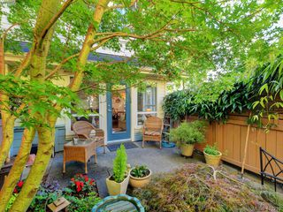 Photo 2: 7 1019 North Park St in VICTORIA: Vi Central Park Row/Townhouse for sale (Victoria)  : MLS®# 815307