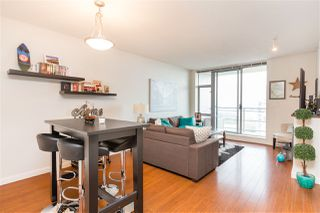 "Photo 10: 1803 280 ROSS Drive in New Westminster: Fraserview NW Condo for sale in ""THE CARLYLE"" : MLS®# R2376749"