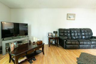 Photo 4: 3207 47 Street in Edmonton: Zone 29 House for sale : MLS®# E4163307
