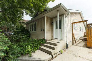 Photo 2: 3207 47 Street in Edmonton: Zone 29 House for sale : MLS®# E4163307