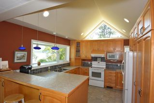 Photo 5: 6360 BERNIE Road in Smithers: Smithers - Rural House for sale (Smithers And Area (Zone 54))  : MLS®# R2385601