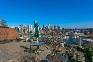 """Photo 13: 709 1490 PENNYFARTHING Drive in Vancouver: False Creek Condo for sale in """"Harbour Cove"""" (Vancouver West)  : MLS®# R2447030"""
