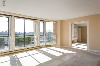 """Photo 5: 709 1490 PENNYFARTHING Drive in Vancouver: False Creek Condo for sale in """"Harbour Cove"""" (Vancouver West)  : MLS®# R2447030"""
