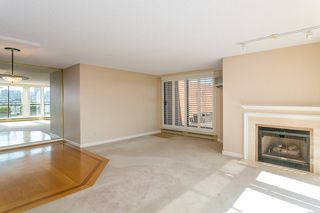 """Photo 3: 709 1490 PENNYFARTHING Drive in Vancouver: False Creek Condo for sale in """"Harbour Cove"""" (Vancouver West)  : MLS®# R2447030"""