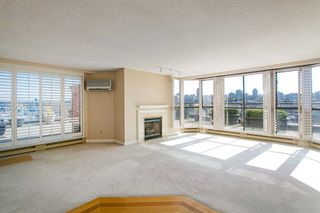 """Photo 2: 709 1490 PENNYFARTHING Drive in Vancouver: False Creek Condo for sale in """"Harbour Cove"""" (Vancouver West)  : MLS®# R2447030"""