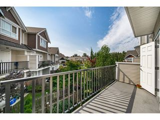 "Photo 12: 29 7298 199A Street in Langley: Willoughby Heights Townhouse for sale in ""THE YORK"" : MLS®# R2480495"
