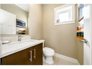 "Photo 11: 29 7298 199A Street in Langley: Willoughby Heights Townhouse for sale in ""THE YORK"" : MLS®# R2480495"