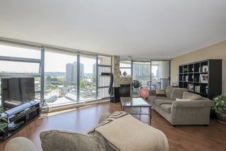 Photo 6: 403 98 TENTH STREET in New Westminster: Downtown NW Condo for sale : MLS®# R2501673