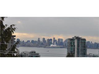 "Photo 10: 307 175 E 5TH Street in North Vancouver: Lower Lonsdale Condo for sale in ""WELLINGTON MANOR"" : MLS®# V870783"