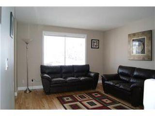 Photo 3: 207 Blakeney Crescent in Saskatoon: Confederation Park Single Family Dwelling for sale (Saskatoon Area 05)  : MLS®# 394730