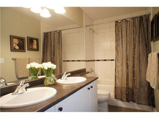 """Photo 9: 49 7428 SOUTHWYNDE Avenue in Burnaby: South Slope Townhouse for sale in """"LEDGESTONE 2"""" (Burnaby South)  : MLS®# V890162"""