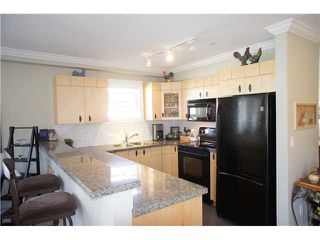 """Photo 6: 49 7428 SOUTHWYNDE Avenue in Burnaby: South Slope Townhouse for sale in """"LEDGESTONE 2"""" (Burnaby South)  : MLS®# V890162"""