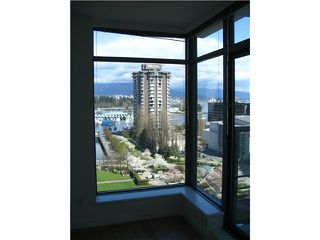 "Photo 4: 903 1710 BAYSHORE Drive in Vancouver: Coal Harbour Condo for sale in ""BAYSHORE GARDENS"" (Vancouver West)  : MLS®# V926161"
