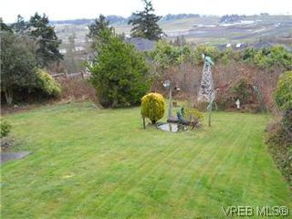 Photo 2: 6705 Tamany Drive in VICTORIA: CS Tanner Residential for sale (Central Saanich)  : MLS®# 306865