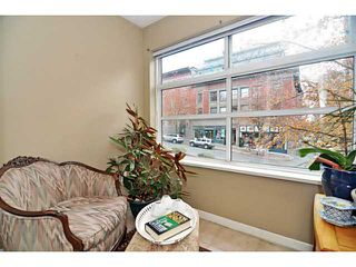 "Photo 5: 207 108 W ESPLANADE Avenue in North Vancouver: Lower Lonsdale Condo for sale in ""Tradewinds"" : MLS®# V976734"