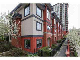 Photo 9: 829 AGNES Street in New Westminster: Downtown NW Condo for sale : MLS®# V1000315