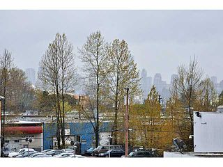 Photo 8: # 306 1673 LLOYD AV in North Vancouver: Pemberton NV Condo for sale : MLS®# V1001933