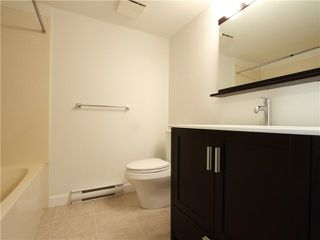 """Photo 8: 303 2577 WILLOW Street in Vancouver: Fairview VW Condo for sale in """"Willow Garden"""" (Vancouver West)  : MLS®# V1097846"""