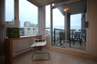 """Photo 12: 1003 1033 MARINASIDE Crescent in Vancouver: Yaletown Condo for sale in """"Quaywes"""" (Vancouver West)  : MLS®# R2007255"""