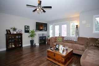 "Photo 16: 4537 SOUTHRIDGE Crescent in Langley: Murrayville House for sale in ""Murrayville - Southridge"" : MLS®# R2015764"