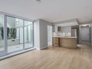 "Photo 2: 221 1783 MANITOBA Street in Vancouver: False Creek Condo for sale in ""Residences at West"" (Vancouver West)  : MLS®# R2055907"