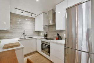 """Photo 11: 207 349 E 6TH Avenue in Vancouver: Mount Pleasant VE Condo for sale in """"Landmark House"""" (Vancouver East)  : MLS®# R2085841"""