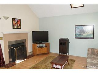 Photo 5: 48 Demos Place in VICTORIA: VR Glentana Single Family Detached for sale (View Royal)  : MLS®# 367624