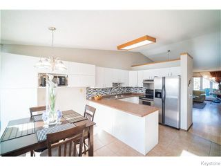 Photo 5: 22 Strewchuk Bay in Winnipeg: Seven Oaks Crossings Residential for sale (4H)  : MLS®# 1627610