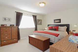 "Photo 10: 1056 LOMBARDY Drive in Port Coquitlam: Lincoln Park PQ House for sale in ""LINCOLN PARK"" : MLS®# R2126810"