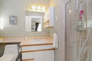 "Photo 11: 1056 LOMBARDY Drive in Port Coquitlam: Lincoln Park PQ House for sale in ""LINCOLN PARK"" : MLS®# R2126810"