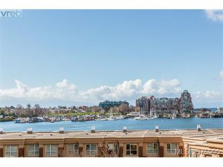 Photo 2: 304 75 Songhees Rd in VICTORIA: VW Songhees Condo for sale (Victoria West)  : MLS®# 754725