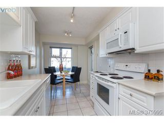 Photo 12: 304 75 Songhees Rd in VICTORIA: VW Songhees Condo for sale (Victoria West)  : MLS®# 754725