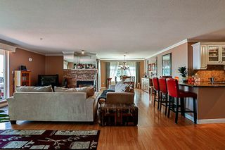 """Photo 7: 404 15220 GUILDFORD Drive in Surrey: Guildford Condo for sale in """"The Boulevard"""" (North Surrey)  : MLS®# R2163658"""