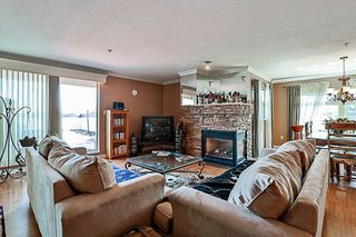 """Photo 5: 404 15220 GUILDFORD Drive in Surrey: Guildford Condo for sale in """"The Boulevard"""" (North Surrey)  : MLS®# R2163658"""