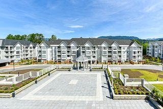 """Photo 16: 308 3122 ST JOHNS Street in Port Moody: Port Moody Centre Condo for sale in """"Sonrisa"""" : MLS®# R2168807"""