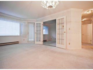 "Photo 5: 212 13965 16 Avenue in Surrey: Sunnyside Park Surrey Condo for sale in ""WHITE ROCK VILLAGE"" (South Surrey White Rock)  : MLS®# R2193006"