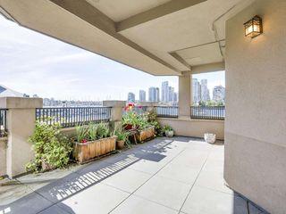 Main Photo: 221 525 Wheelhouse Square in Vancouver: False Creek Condo for sale (Vancouver West)  : MLS®# R2163432