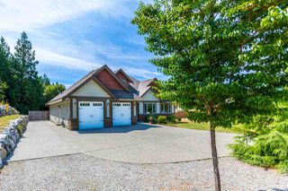 "Photo 2: 5005 BAY Road in Sechelt: Sechelt District House for sale in ""Davis Bay"" (Sunshine Coast)  : MLS®# R2217861"