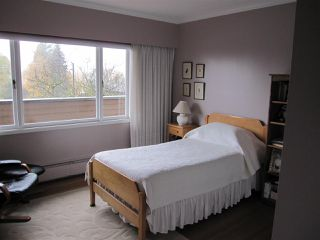 Photo 10: 1571 HOLDOM Avenue in Burnaby: Parkcrest House for sale (Burnaby North)  : MLS®# R2224176